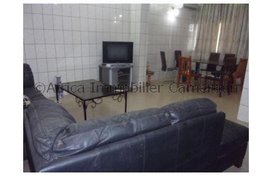 Appartement meubl 3 chambres yaounde mimboman for Appartement meuble a yaounde