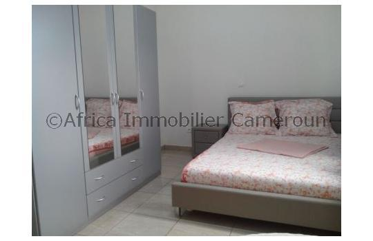 Appartement meubl 1 chambre yaounde odza for Meuble tv yaounde