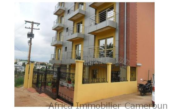 Appartement meubl 2 chambres yaounde bastos for Appartement meuble a yaounde cameroun