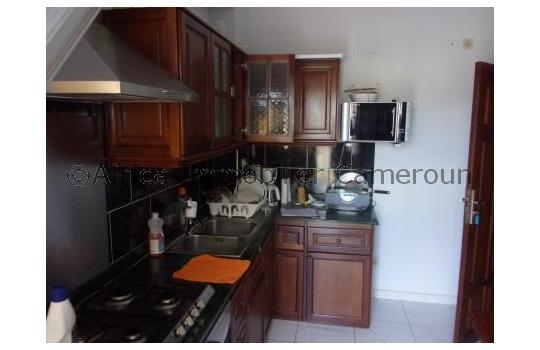 Appartement meubl 1 chambre yaounde mendong for Appartement meuble a yaounde